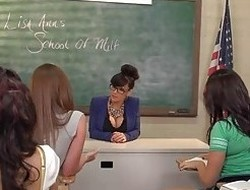 Lisa Ann - School Of MILF- All Girl High